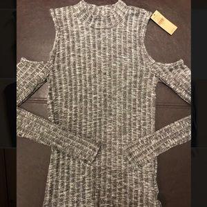 Long sleeve, short turtle neck, AE sweater